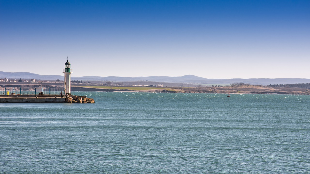 Burgas - port i latarnia morska