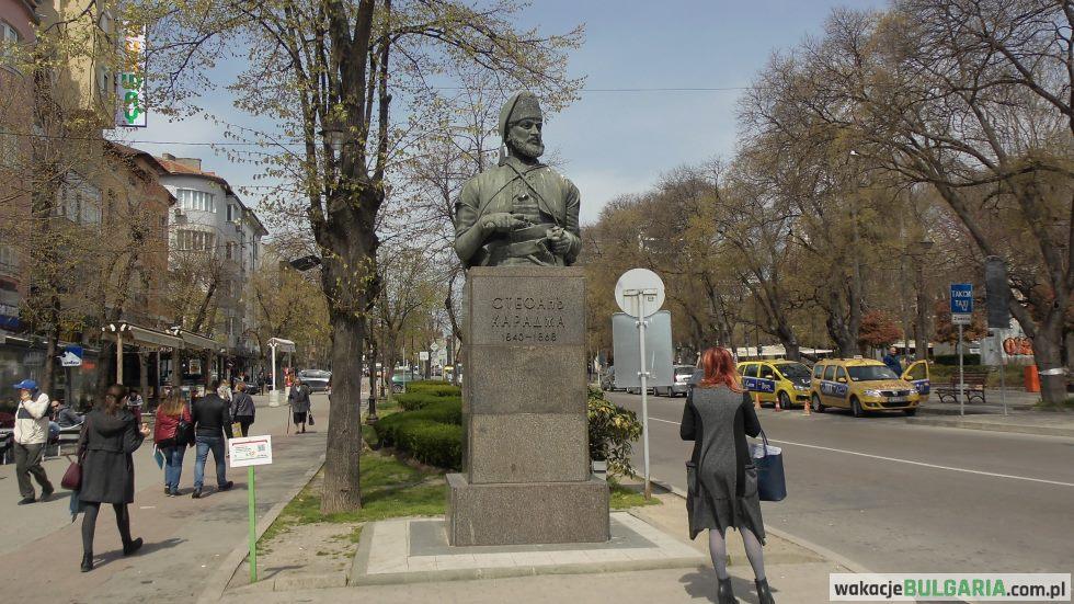 Stefan Karadża pomnik - Warna