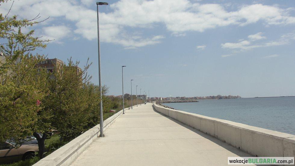 Pomorie - promenada wzdłuż brzegu