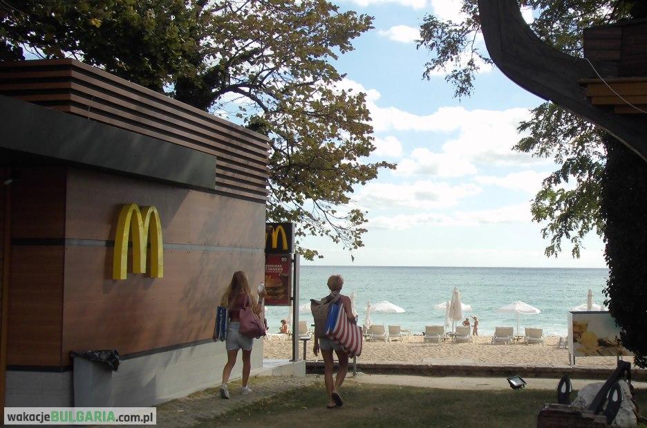 Złote Piaski - McDonalds przy plaży